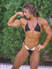 Yaxeni Oriquen physique is unmatched in lushness, with huge, defined biceps and triceps, great chest poses, powerfully developed back and shapely and developed glutes and thighs