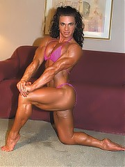 Stacy Garonzik has a heavily muscled physique, including great calves, powerful thighs, deep cut abs and a chiseled upper body