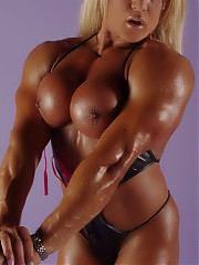 Model Muscle - Lisa Cross